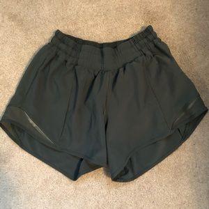 lululemon green hotty hot short (long)
